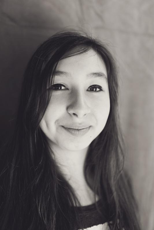 web-Alicia-black-n-white
